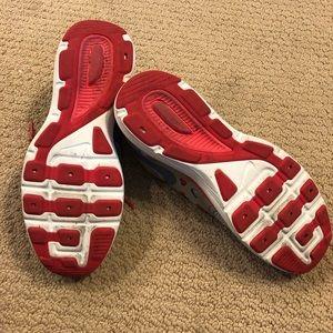 Nike Shoes - Nike dual fusion lite tennis shoes